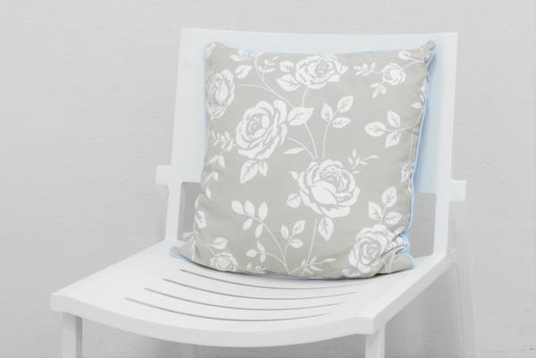 Bilde av Pyntepute 50x50 cm - design Beige rose
