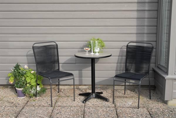Bilde av Trend sett 2 stablestoler+bord Ø60 cm - sort